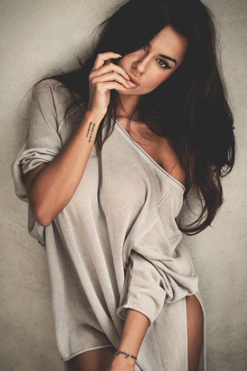 Фото девушки модели на аву в