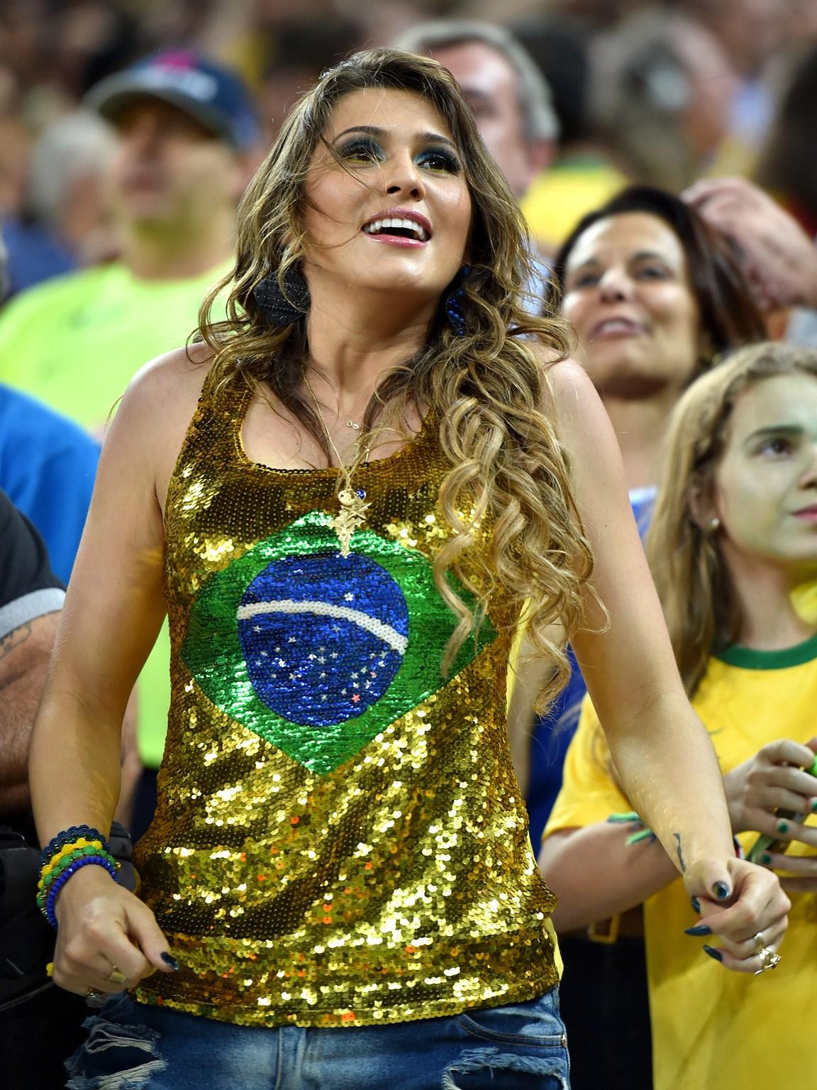 Самые сексуальные бразильские болельщицы 12 фотография