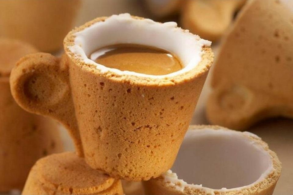 Kahvesini İçin Kupasını Yiyin