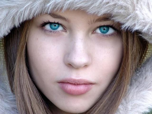 Uzun Saçlı Korkunç Kız Samara-Daveigh Chase(13 Fotograf)