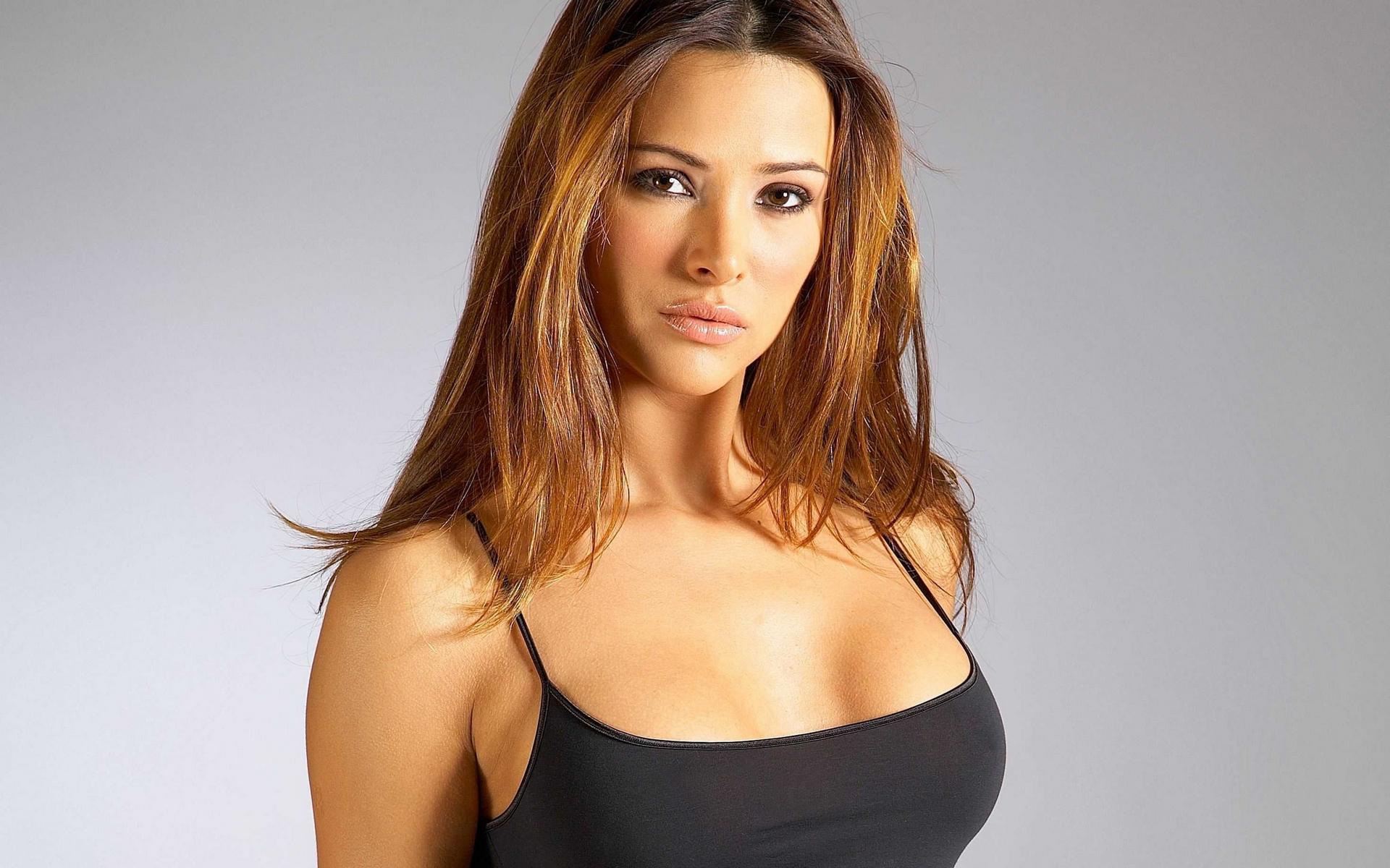 они самые красивые женские груди в мире стажерданный курьезный кино