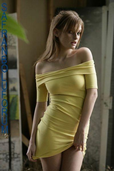 Ah Şu Dar Elbiseli Kızlar Safranboluforum (41) - 78serhat78