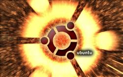 hot_ubuntu_widescreen_by_mzm